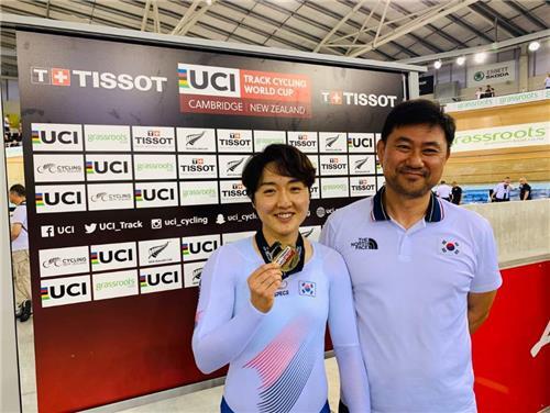 사이클 이혜진, 2주 연속 월드컵 경륜 금메달