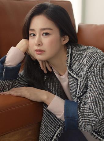 [게시판] 여성복 '올리비아 로렌' 새 모델에 김태희