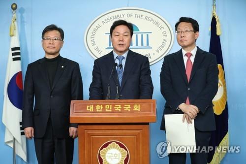 한국당-새보수, 통합협의체 구성키로…황교안-유승민 회동 추진(종합)