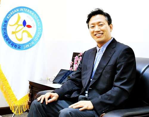 """[인터뷰] 신선호 호치민한국학교장 """"재택수업 가능성 확인"""""""