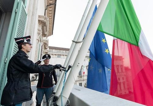 '사망 1만1천명' 비통한 이탈리아…전국서 일제히 조기 게양