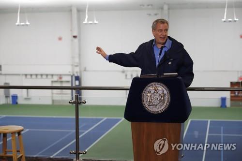 코로나19에 브레이크 없는 미국…환자수 중국 2배 넘어(종합)