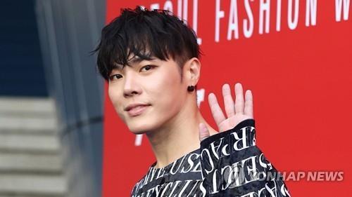 가수 휘성, 이번엔 수면마취제 투약했다 쓰러져…경찰 출동