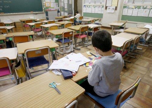 도쿄도 교육위, 5월 연휴까지 '코로나 휴교' 연장 결정
