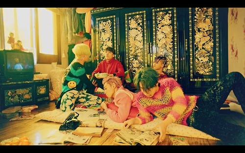 """En la imagen, proporcionada, el 13 de diciembre de 2016, por YG Entertainment, se muestra una escena del vídeo musical de """"FXXk It"""", una de las dos canciones principales del álbum """"MADE The Full Album""""."""