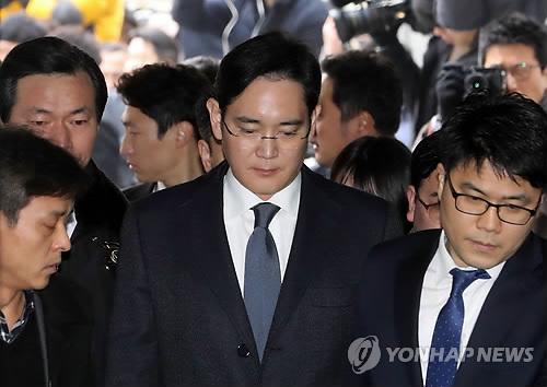 Detienen al jefe de Samsung por presuntos actos de corrupción