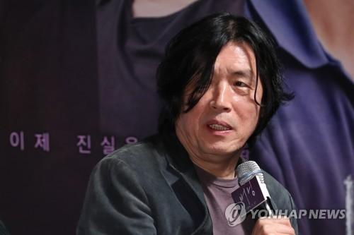 El director de cine y novelista surcoreano, Lee Chang-dong