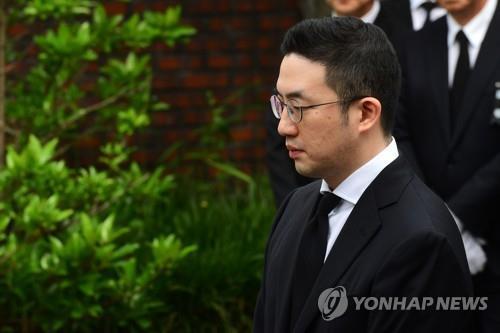 Koo Kwang-mo, hijo adoptivo del difunto presidente del Grupo LG, Koo Bon-moo (foto de archivo)