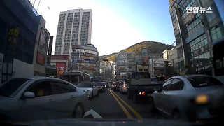 [현장영상] 신속한 시민 길터주기…응급상황 아이 구했다