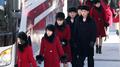 朝鲜艺术团下船前往江陵准备在韩首演