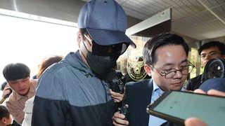 '유튜버 성추행' 피고소인 2명 소환조사…혐의부인