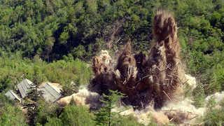발파하자 와르르…북 핵실험장 폭파 영상 공개