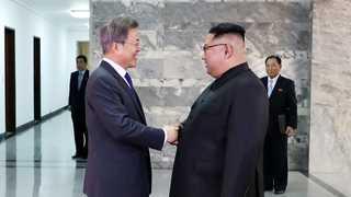 문 대통령, 김정은 위원장과 판문점서 두 번째 정상회담