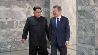 """""""일체 형식없이 만나자""""…북미회담 무산 위기에 파격 택한 김 위원장"""