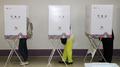 韩国地方选举开始缺席投票 选民热情高于上届