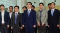 Funcionarios y civiles surcoreanos parten hacia Corea del Norte para preparar la..