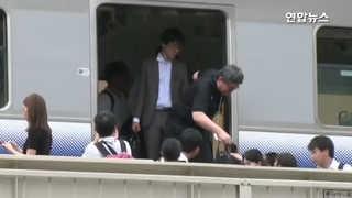 [현장] 멈춰선 전철…일본 오사카 6.1 지진, 3명 사망