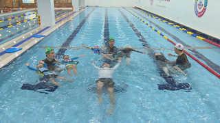 """10분만에 물에 둥둥…""""생존수영 배워 휴가 떠나요"""""""