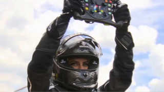 운전허용 첫날 사우디 여성 포뮬러원 자동차 몰아