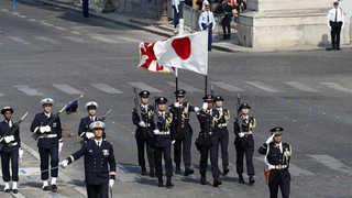 엉망진창 된 프랑스 열병식…일본 자위대 욱일기까지 등장