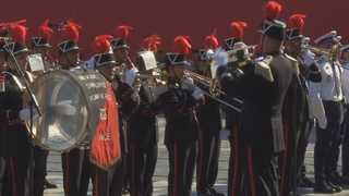 미국 '나폴레옹 열병식' 논란끝 내년으로 연기