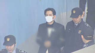 '법조비리' 최인호 변호사 집행유예 석방…50억원 벌금