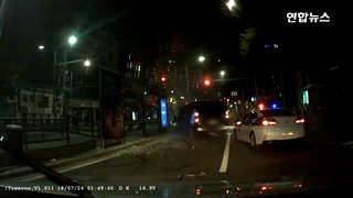 [영상] 들이받고, 들이받고 또 들이받고…사라진 만취 운전자