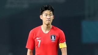 """손흥민 병역에 외신들 관심…""""군 면제까지 한 경기"""""""
