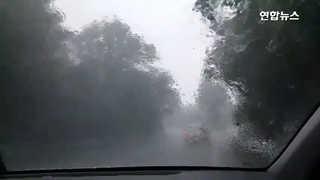 [영상] 차 떠내려갈 정도…서귀포 시간당 120.7㎜ 기습폭우