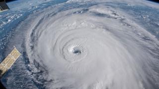 풍전등화 동서대륙…태풍-허리케인 동시 상륙