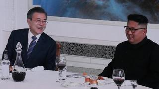 [현장연결] 남북정상, 옥류관 '화기애애' 오찬…냉면 주제로 담소