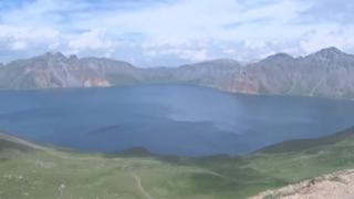 소원 이룬 문 대통령…남북 정상 백두산 오르기로