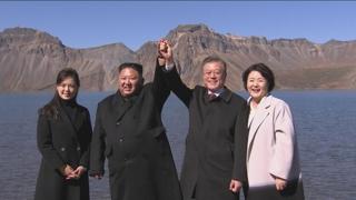 """북한 매체 """"남북 정상 백두산행은 역사적 사변"""""""