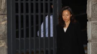 """조윤선 8개월 만에 석방…""""남은 재판 성실히 임하겠다"""""""
