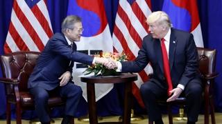 문 대통령, 트럼프와 다섯번째 회담…비핵화 논의