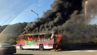 영동고속도로 고속버스 화재…승객 등 41명 대피