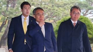 """'사법농단' 임종헌 검찰 출석 """"법원 위기 무거운 책임감"""""""