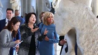 김정숙 여사, 한글 재킷 입고 루브르 박물관 방문