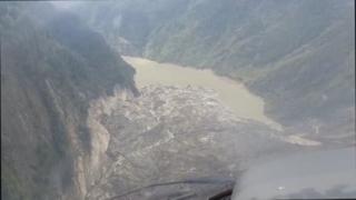 티베트서 대형 산사태…강물 끊기고 2차재난 우려