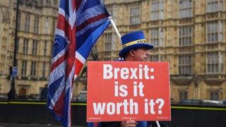 """""""브렉시트 국민투표 다시 하라"""" 런던서 50만 명 시위"""
