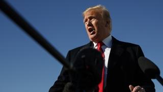 """트럼프 """"중거리 핵전력 조약 폐기할 것…러시아가 합의 위반"""""""
