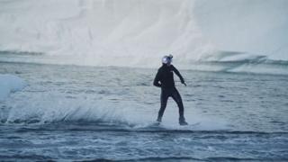 빙하에서, 채석장에서…'아찔한' 웨이크보드 질주