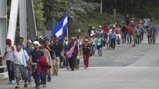 중미 이민자 5천여명, 미국 국경 향해 행진