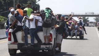 미국 향해 걷는 '고난의 행군'…남미 이민자 행렬 캐러밴