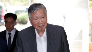 '4,000억대 횡령' 이중근 부영 회장 오늘 1심 선고