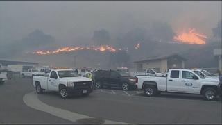 캘리포니아 산불 사망자 74명…연락두절 1천여 명