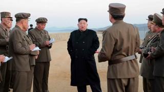 무기 시찰하면서 미국인 석방…북한의 노림수는?