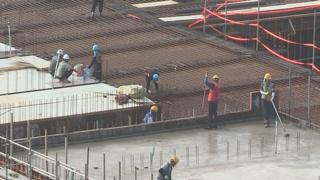 건설노동자 하루 임금 16만5,000원…노동시간 감소