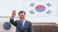 Moon rentre à Séoul après avoir participé aux sommets de l'Asean et de l'Apec