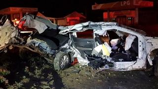 음주운전 차량 신호등에 쾅…대학생 3명 사망